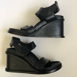 Aldo 1990's Black Leather Platform Sandal size 38